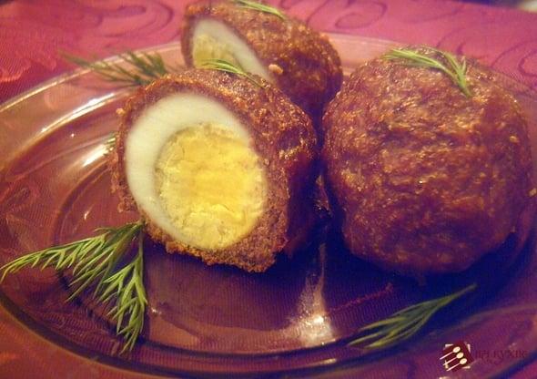 Мясные рулетики с варёным яйцом - приготовление, шаг 9