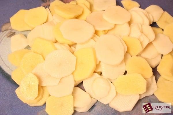 Куриное филе, запеченное с картофелем под майонезом - приготовление, шаг 3