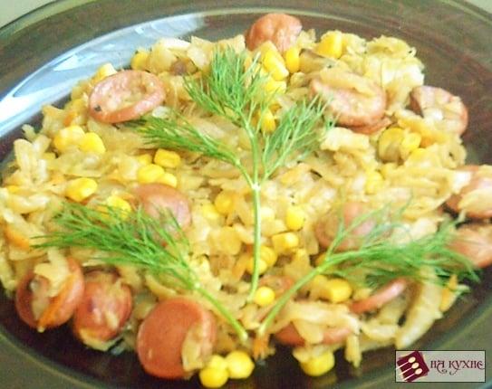 Солянка с сосисками и кукурузой (тушеная капуста) - приготовление, шаг 15