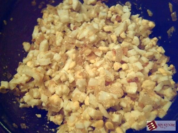 Зразы с начинкой из лука и яиц - приготовление, шаг 4