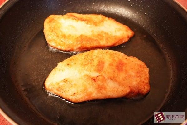 Нежное куриное филе в сливочно-фисташковом соусе - приготовление, шаг 3