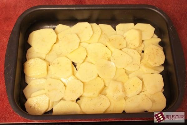 Запеченный картофель с рыбой и грибами - приготовление, шаг 8