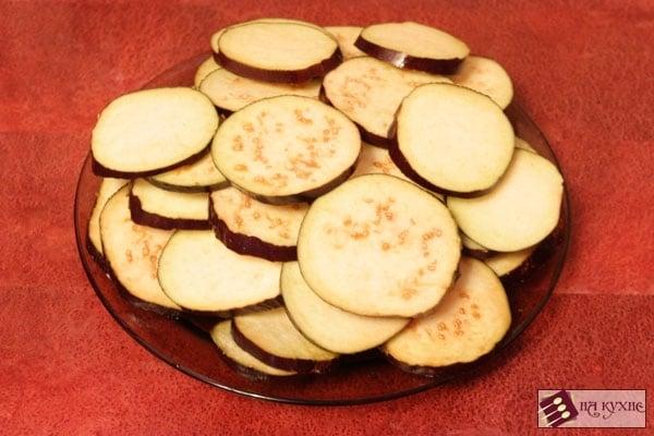 Острая закуска из баклажанов и помидоров с чесноком - приготовление, шаг 2