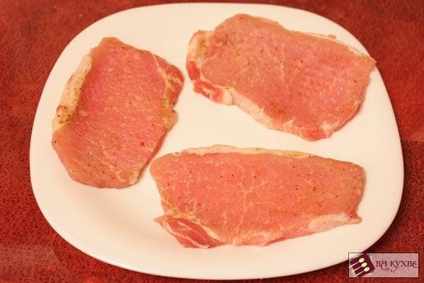 Свинина, запеченная с ананасами - приготовление, шаг 2