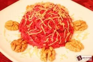 Салат из свеклы с сыром и грецкими орехами - приготовление, шаг 7