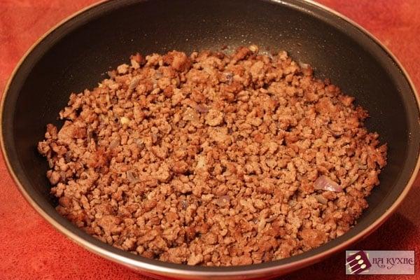 Картофельная запеканка с фаршем и грибами - приготовление, шаг 5