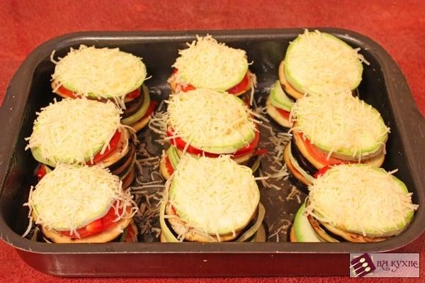 Запеченные кабачки с баклажанами и помидорами под сырной корочкой - приготовление, шаг 7