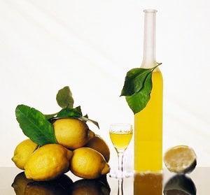 Коктейль с шампанским - «Лимончелло» - приготовление, шаг 1