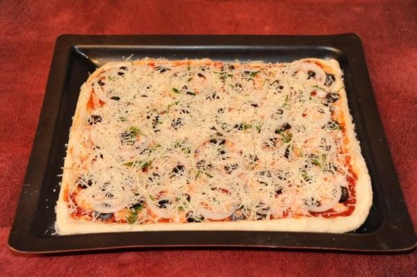 Пицца с креветками - приготовление, шаг 2