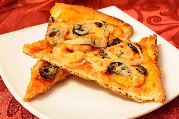 Пицца с креветками - приготовление, шаг 3