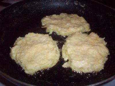 Картофельные драники - приготовление, шаг 3