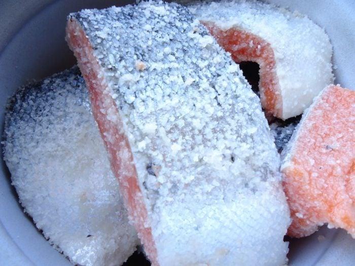 Сёмга соленая по-домашнему - приготовление, шаг 2