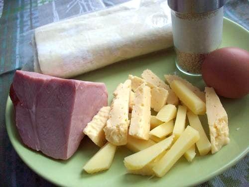 Слойки с ветчиной и сыром - приготовление, шаг 1