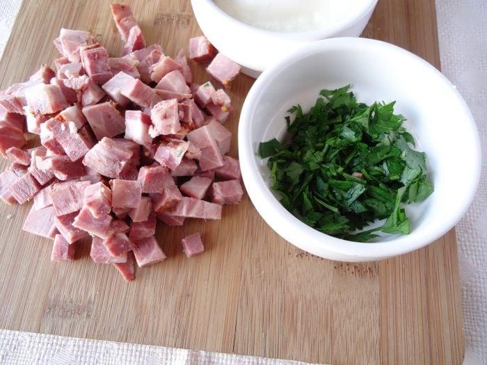 Фасоль с копченым мясом под сырной корочкой - приготовление, шаг 1