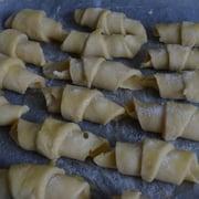 Рогалики с мармеладом - приготовление, шаг 4