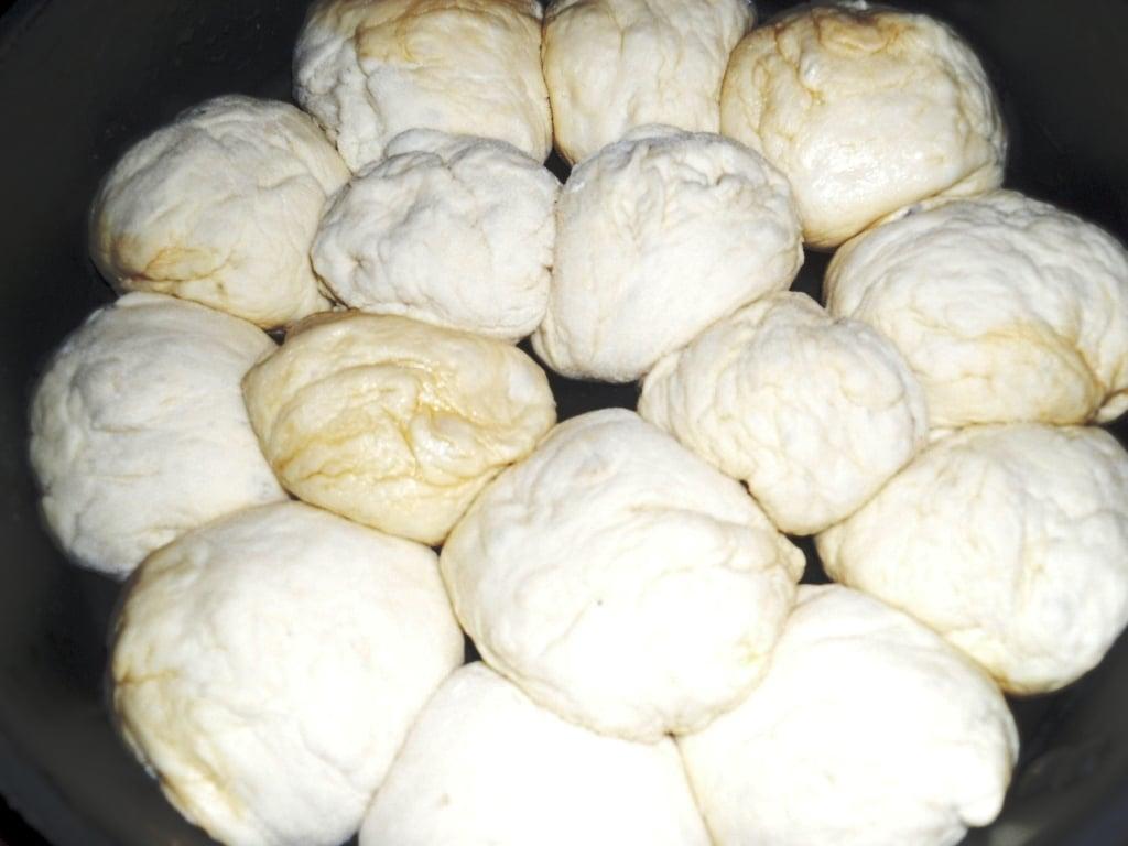 Пампушки с чесноком - приготовление, шаг 2