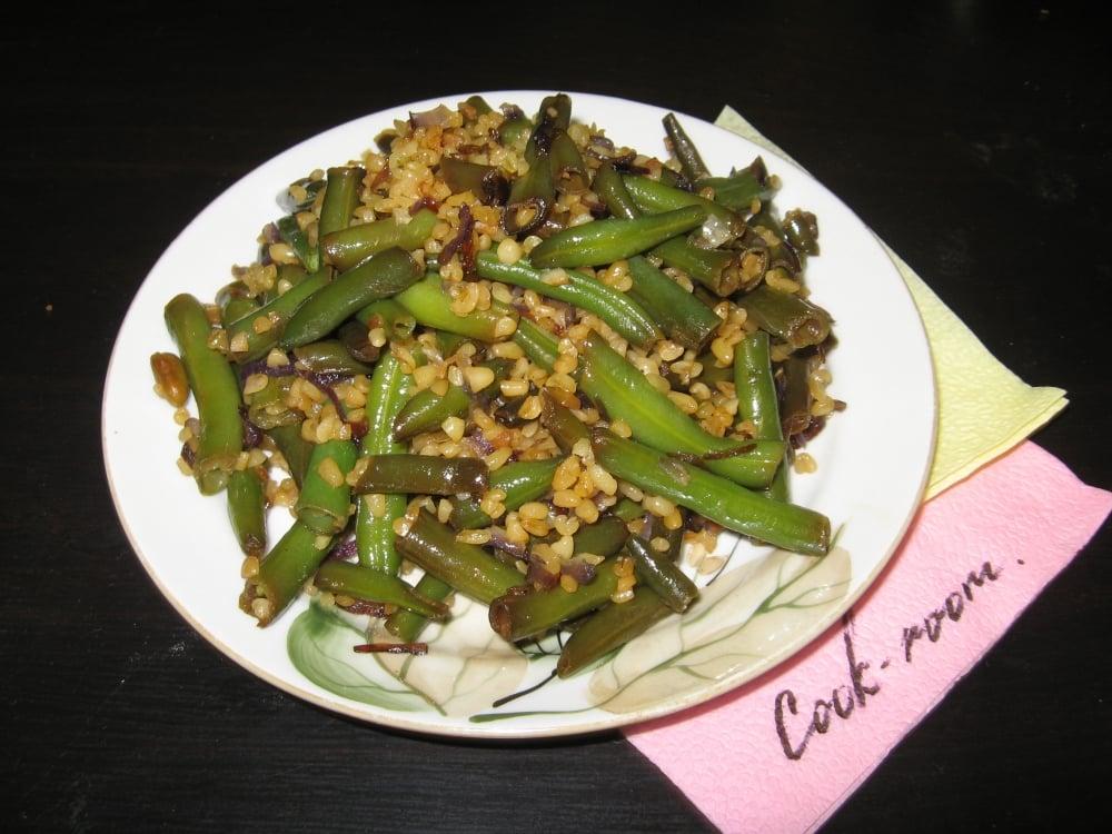 Теплый салат из булгура и фасоли - приготовление, шаг 8
