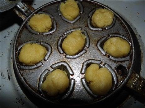 Орешки с вареной сгущенкой - приготовление, шаг 2