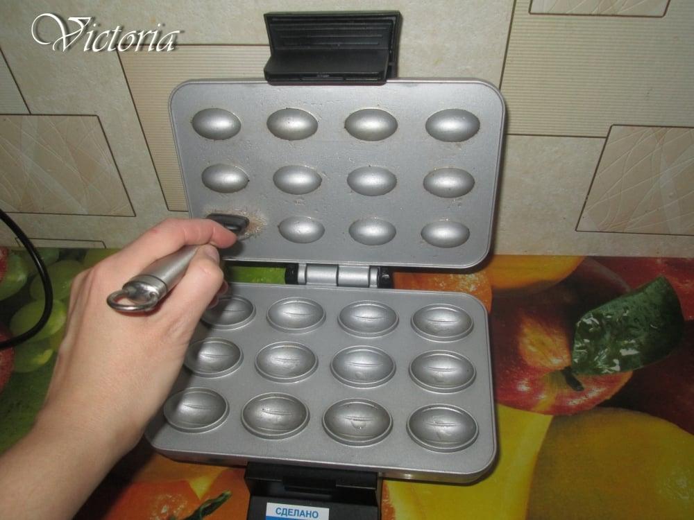 Сладкие орешки под миндаль - приготовление, шаг 10