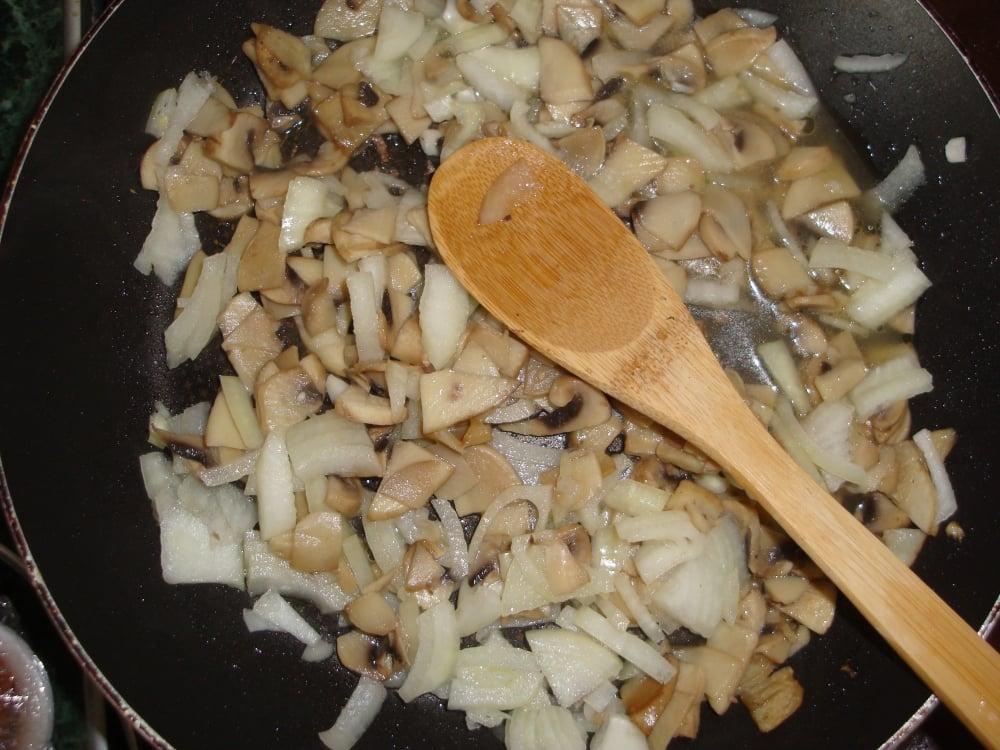 Картофельные зразы с грибами - приготовление, шаг 4