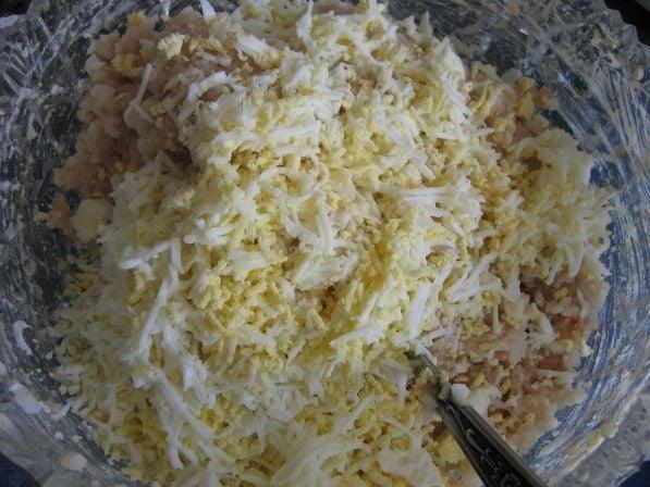 Салат из печени трески - приготовление, шаг 2
