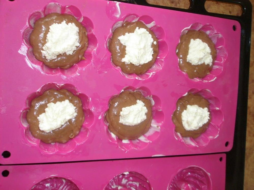 Шоколадные маффины с творогом - приготовление, шаг 6