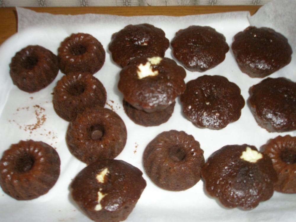 Шоколадные маффины с творогом - приготовление, шаг 8