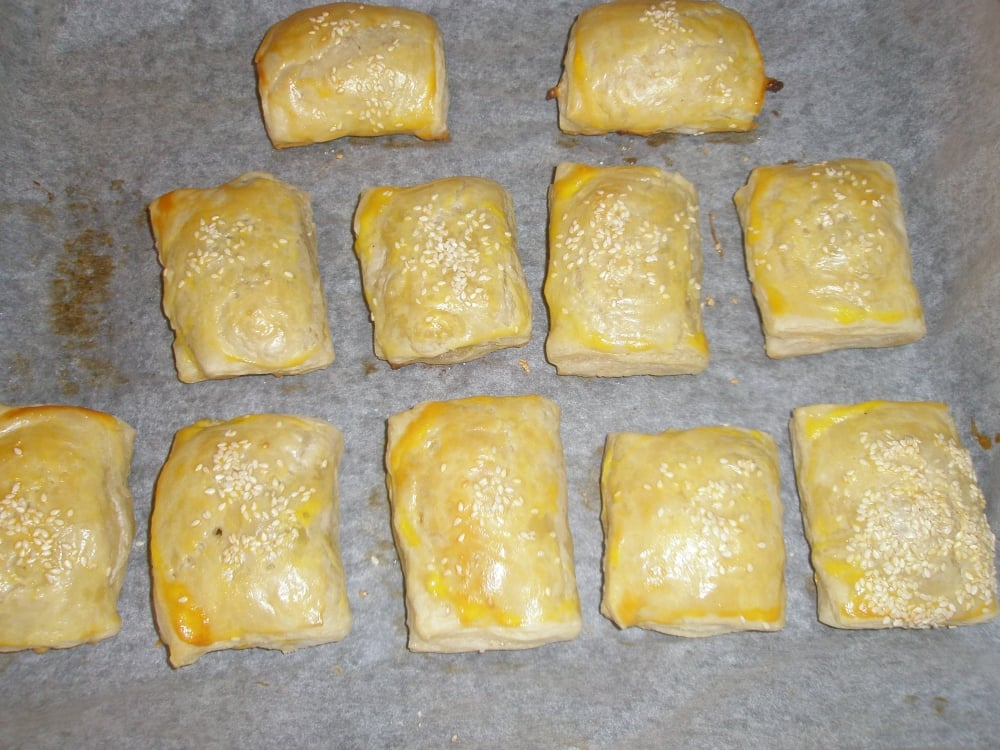Слойки с курицей и грибами - приготовление, шаг 6