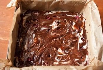 Шоколадное пирожное с малиной - приготовление, шаг 5