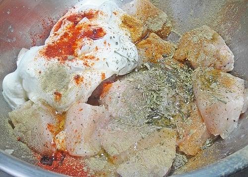 Курица с беконом на шпажках или шампурах - приготовление, шаг 1