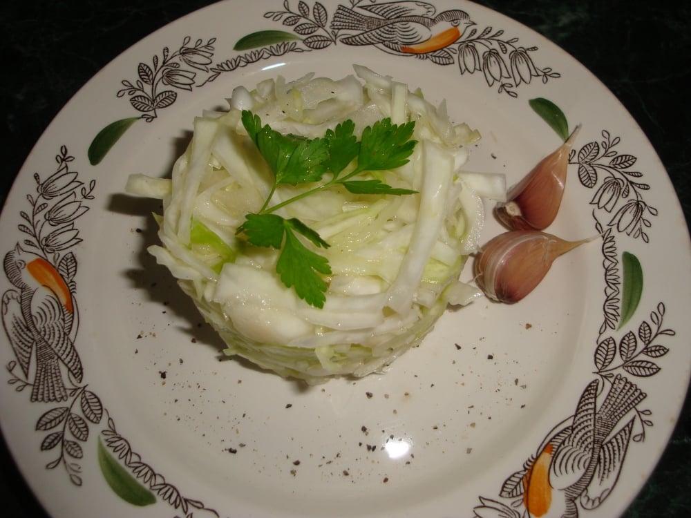 Легкий капустный салат - приготовление, шаг 4