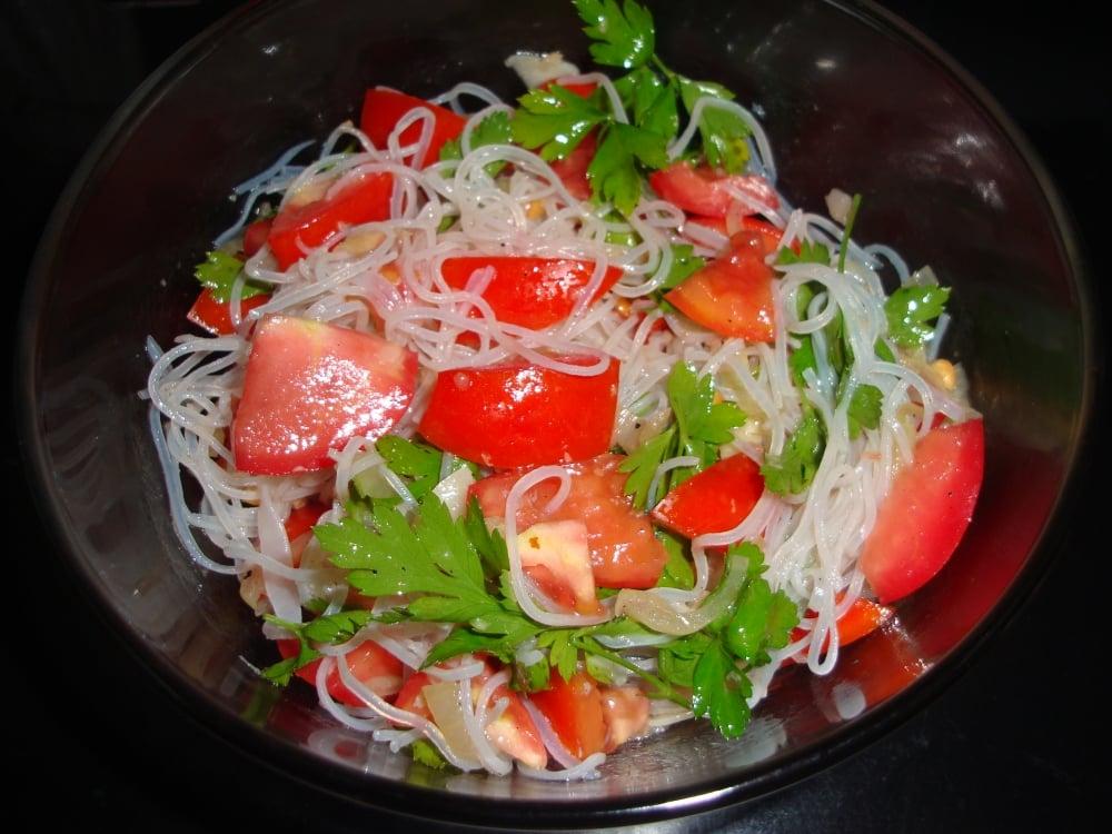 Овощной салат с фунчозой - приготовление, шаг 5