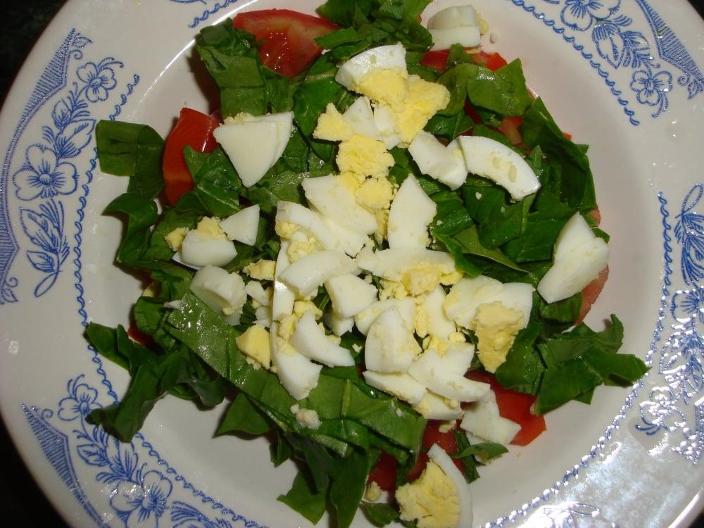 Салат из помидоров со шпинатом - приготовление, шаг 1