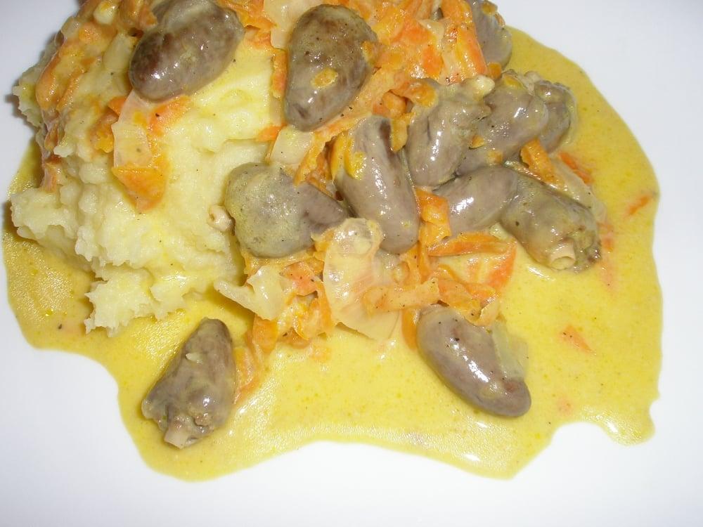 Куриные сердечки тушенные с морковью - приготовление, шаг 1