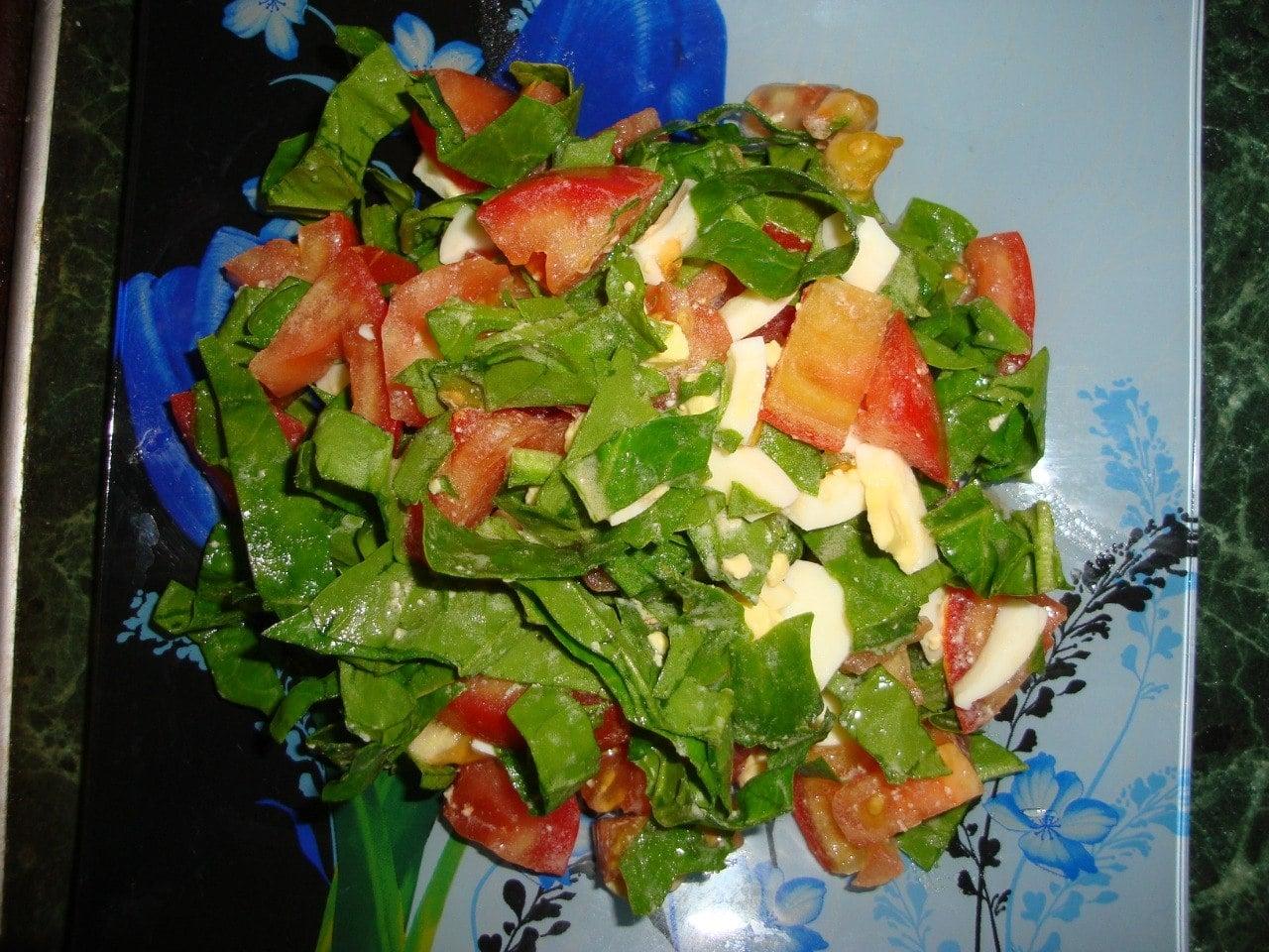 Салат из помидоров со шпинатом - приготовление, шаг 3