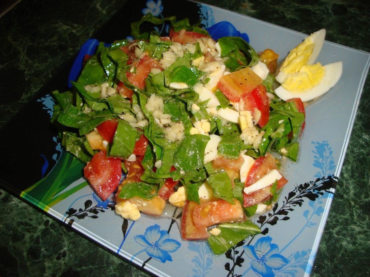 Салат из помидоров со шпинатом - приготовление, шаг 4