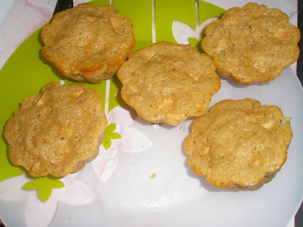 Кексы с яблоками и корицей - приготовление, шаг 8