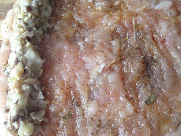 Куриные рулетики с грибами и сыром - приготовление, шаг 5