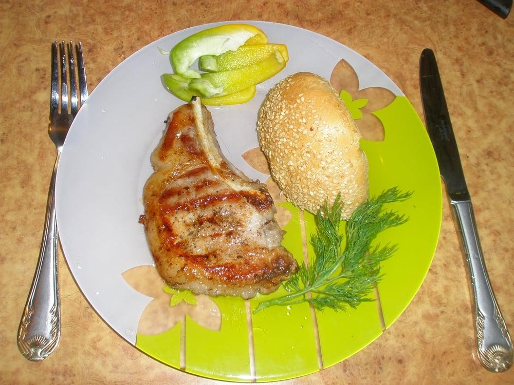 Стейк из свинины на косточке - приготовление, шаг 1