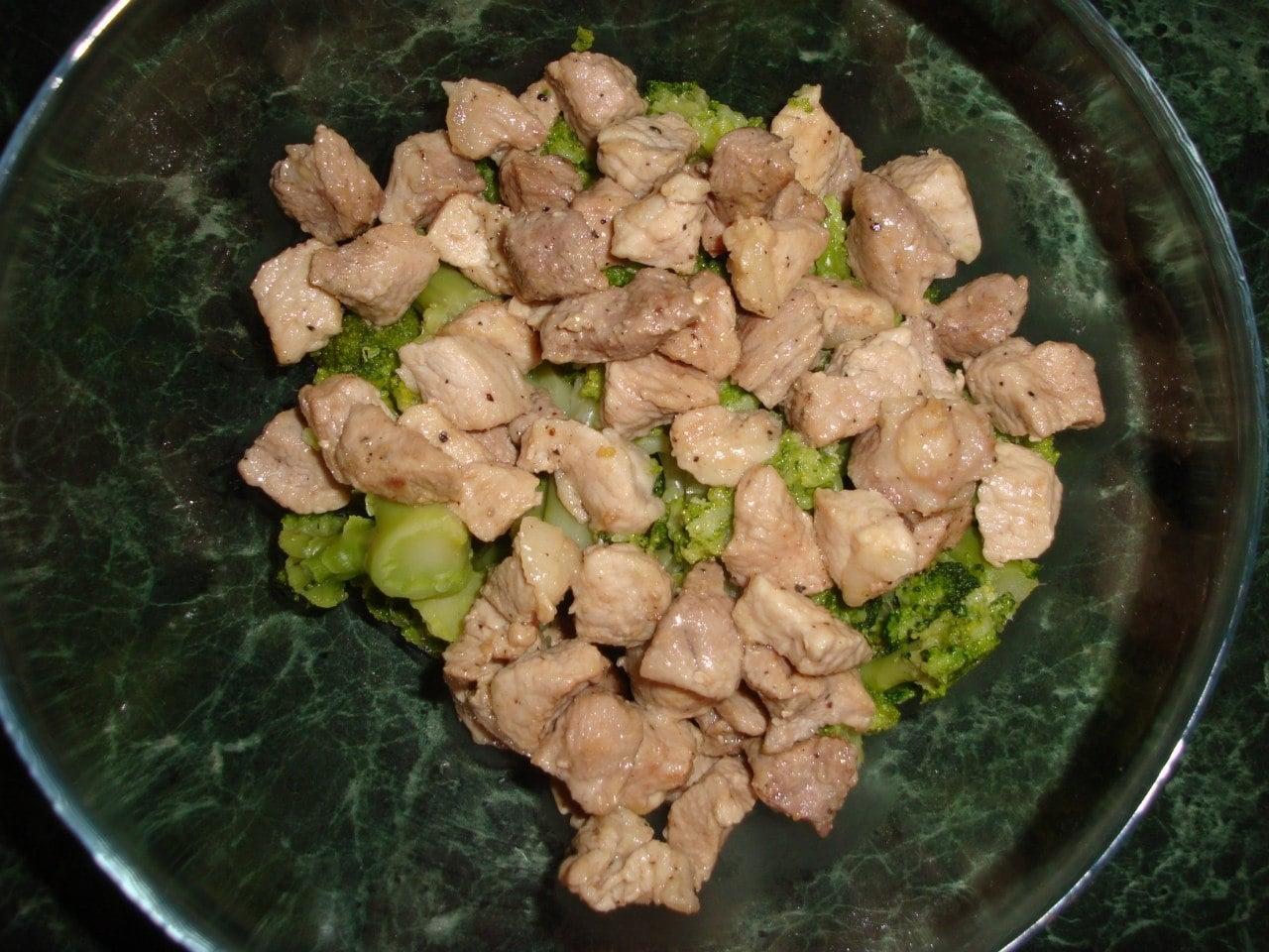 Салат из мяса с брокколи - приготовление, шаг 2