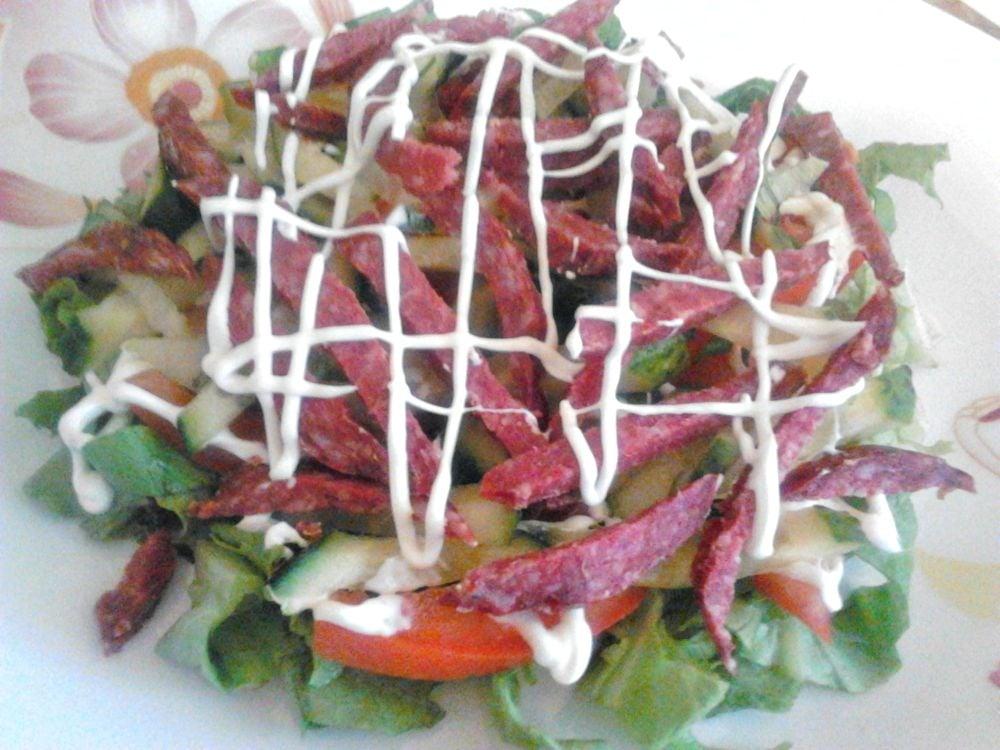 Салат с салями и овощами - приготовление, шаг 2
