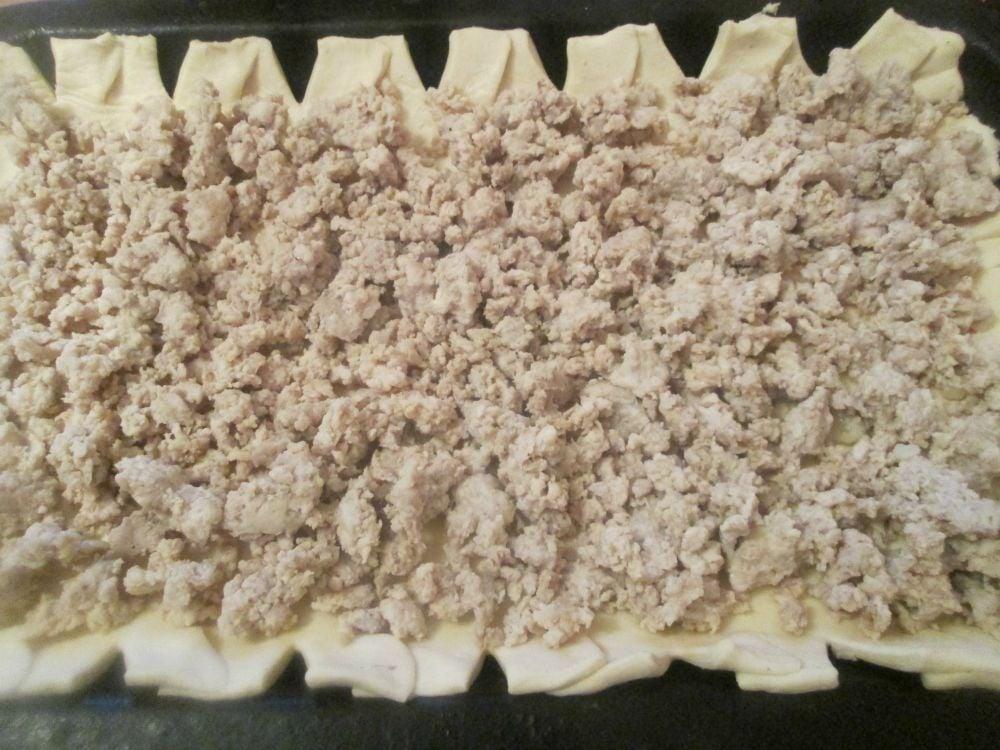 Открытый пирог с фаршем и овощами - приготовление, шаг 3