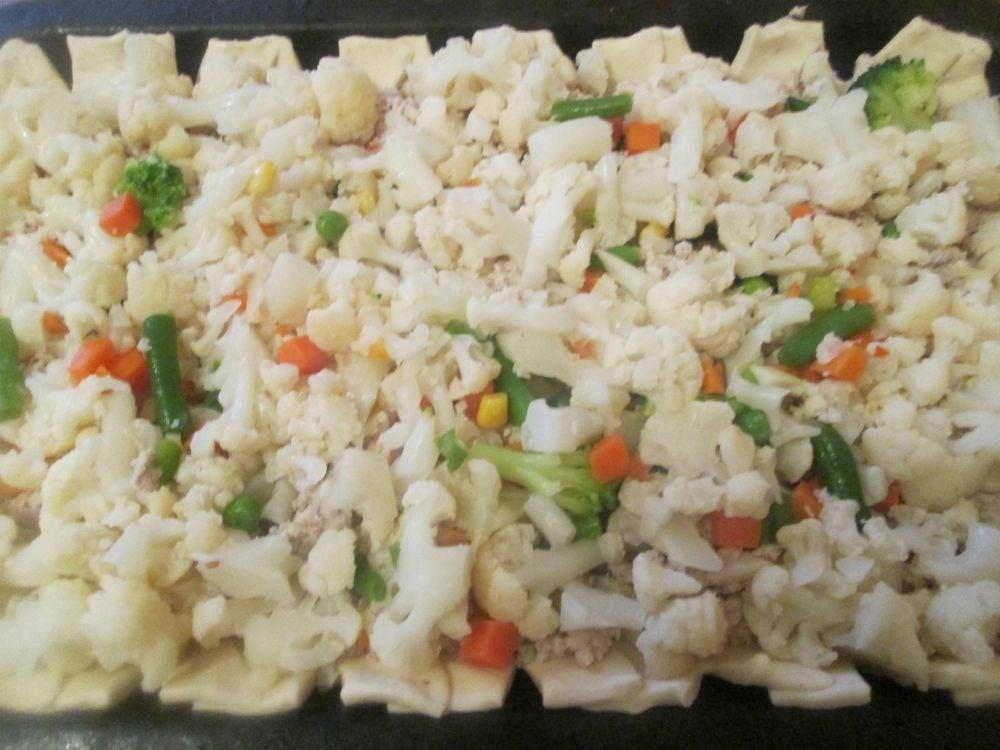 Открытый пирог с фаршем и овощами - приготовление, шаг 4