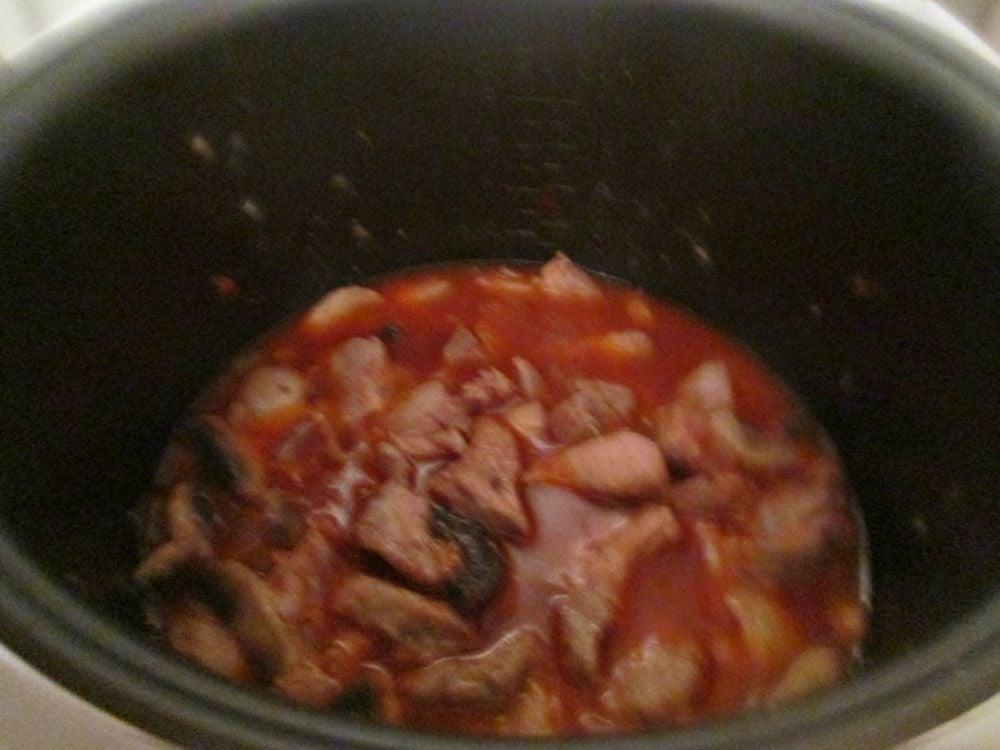 Мясное рагу с грибами и орехами - приготовление, шаг 5