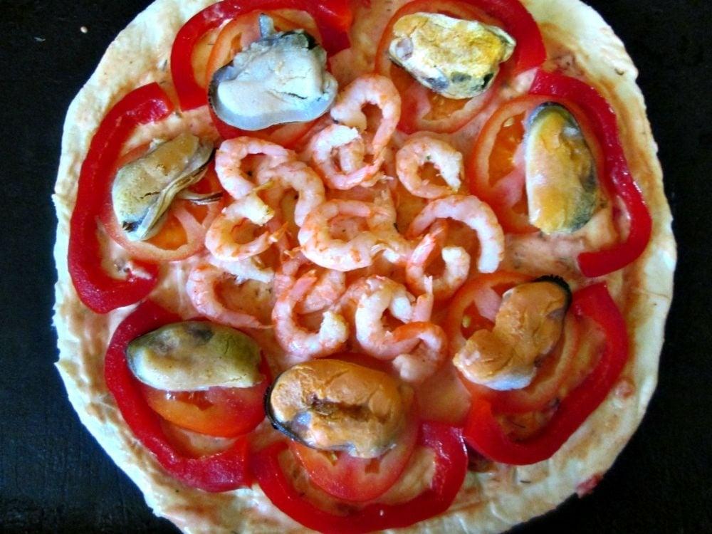Пицца с морепродуктами и овощами - приготовление, шаг 2