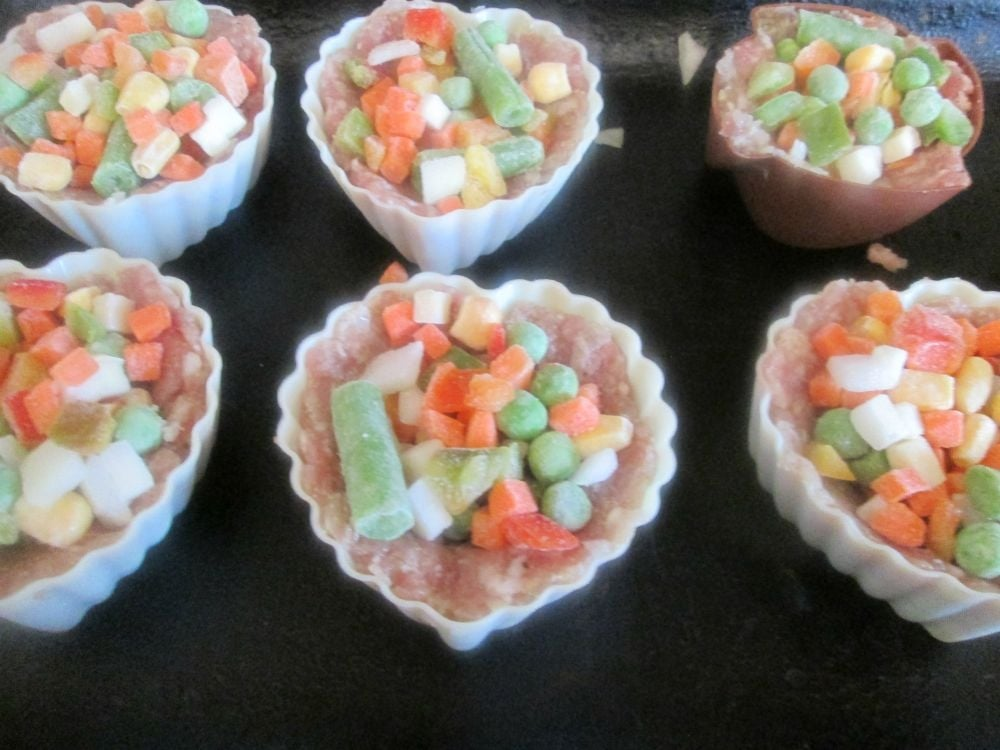 Мясные кексы с овощами - приготовление, шаг 3