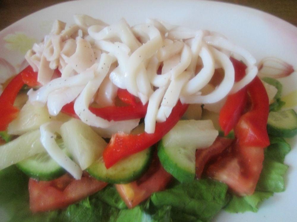 Салат с кальмарами и ананасами - приготовление, шаг 2