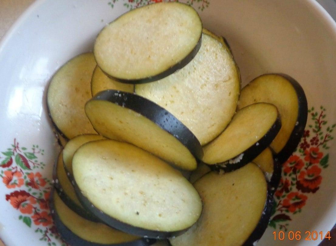 Башенки из баклажанов и кабачков - приготовление, шаг 1