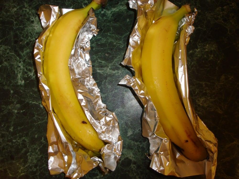 Бананы запеченные с шоколадом - приготовление, шаг 1