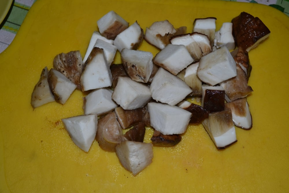 Рулетики с говядины с белыми грибами - приготовление, шаг 2